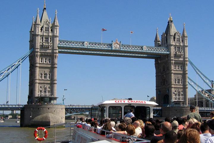 Schulfahrt England: Programm in London - Themsefahrt