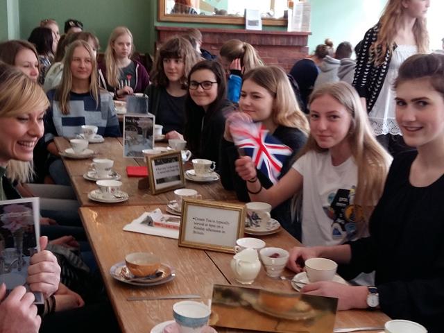 Schulfahrt Hastings: Afternoon Tea