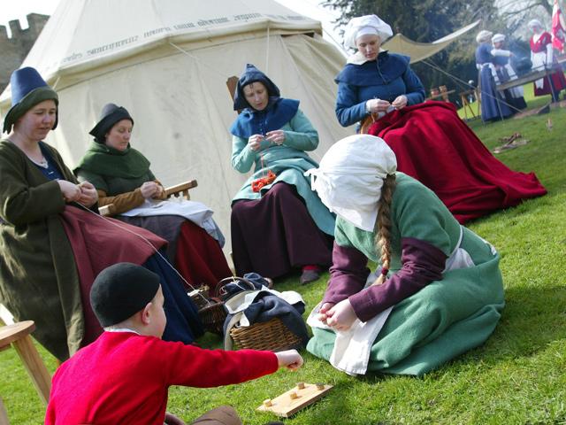 Schulfahrt England: Ausflug nach Warwick (Alltagsleben auf der Burg)