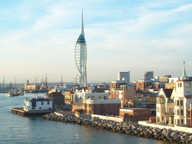 Klassenfahrt nach England - Ausflug nach Portsmouth: Spinnaker Tower